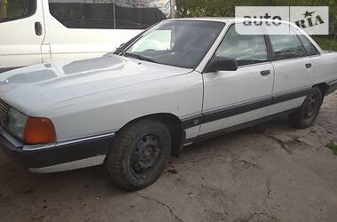 Седан Audi 100 1988 в