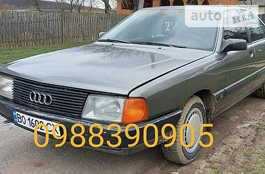 Седан Audi 100 1988 в Бучаче