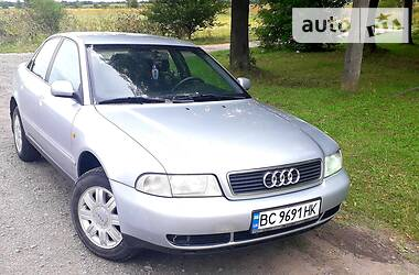 Audi A4 1998 в Бродах