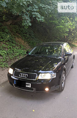Седан Audi A4 2002 в Славском