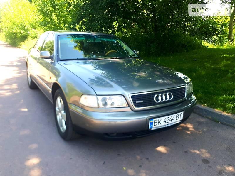 Седан Audi A8 1995 в Ровно