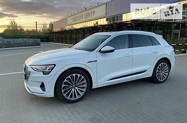 Позашляховик / Кросовер Audi e-tron 2019 в Сумах