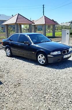 Седан BMW 318 1994 в Черновцах