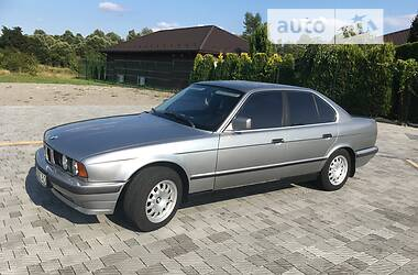 Седан BMW 525 1990 в Стрию