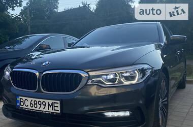 Седан BMW 530 2017 в Львові