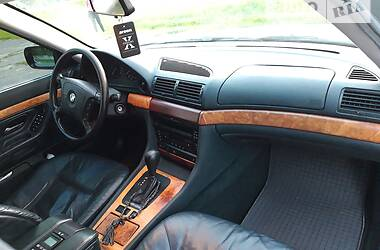 Седан BMW 735 1997 в Сумах