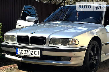 BMW 740 2001 в Луцке