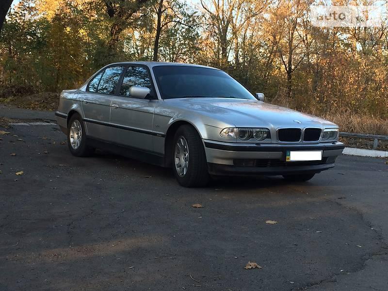 BMW 750 1998 в Мариуполе