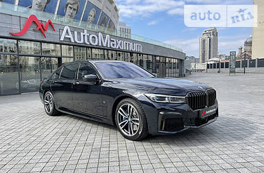 Седан BMW 750 2019 в Киеве