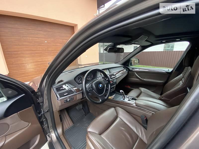BMW X5 2010 в Новограде-Волынском