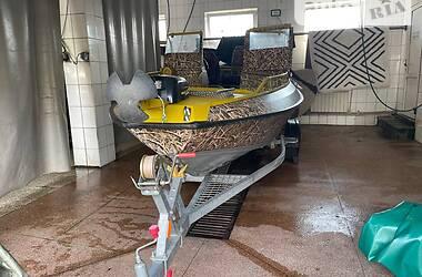 Човен Buster M 2006 в Кам'янському