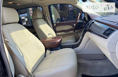 Cadillac Escalade 2008 в Сумах