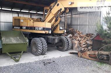 Экскаватор погрузчик Caterpillar 212 1998 в Ужгороде