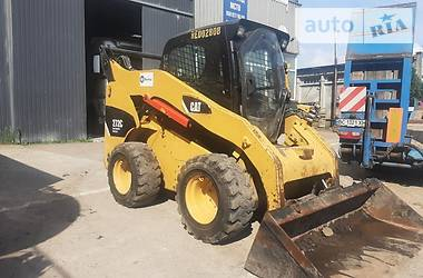 Міні-вантажник Caterpillar 272 2012 в Львові