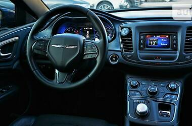 Седан Chrysler 200 2014 в Киеве