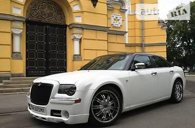 Седан Chrysler 300 C 2004 в Киеве