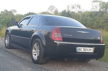 Седан Chrysler 300 C 2006 в Городке