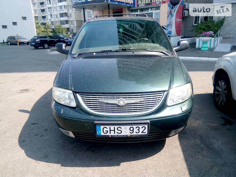 Chrysler Grand Voyager 2001 года в Киеве