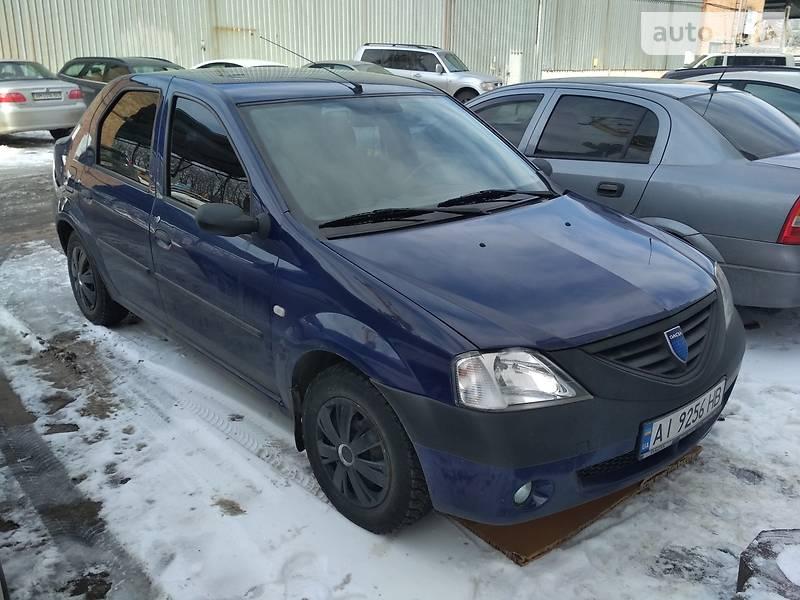 Dacia Logan 2005 года в Киеве