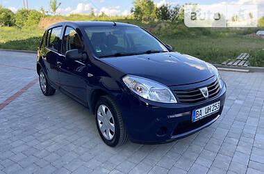 Хэтчбек Dacia Sandero 2012 в Дубно