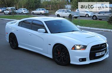 Dodge Charger 6.4 Hemi SRT-8