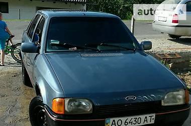 Ford Escort 1988 в Хусті