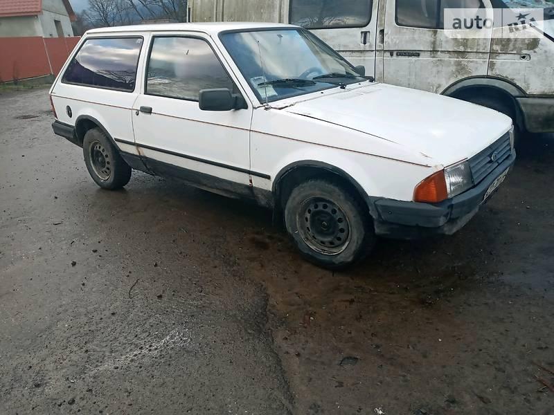 Ford Escort 1985 в Сваляве