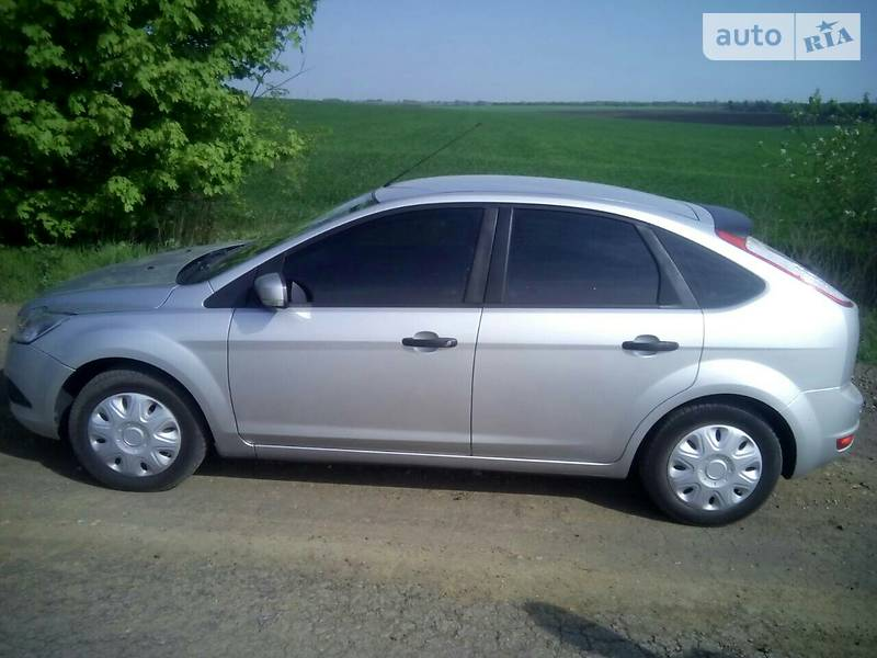 Ford Focus 2011 года