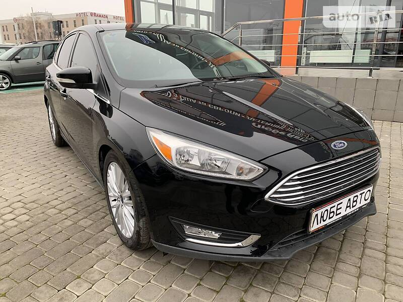 https://cdn3.riastatic.com/photosnew/auto/photo/ford_focus__364323248f.jpg