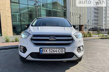 Позашляховик / Кросовер Ford Kuga 2017 в Хмельницькому
