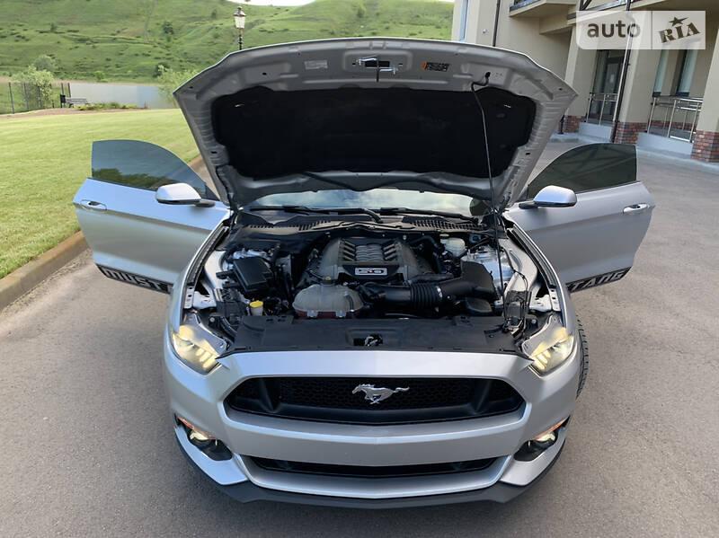 Купе Ford Mustang 2016 в Києві