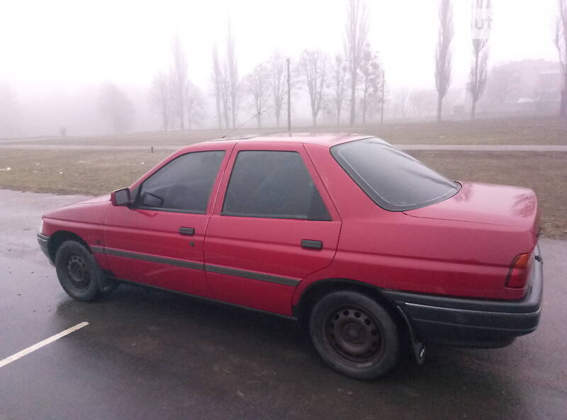 Ford Orion 1992 в Тростянце