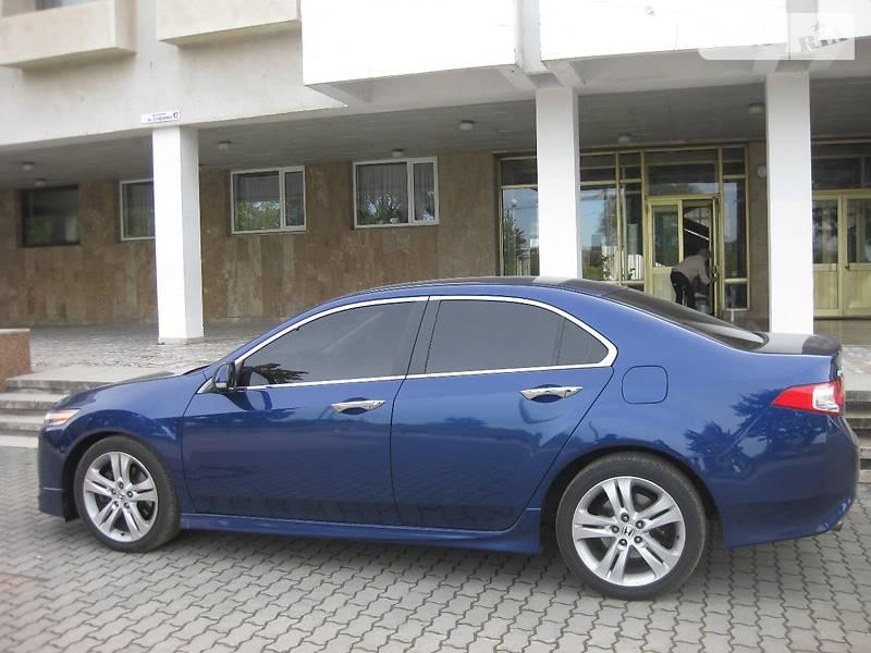 Honda Accord 2010 года