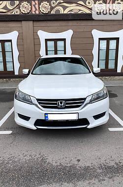 Седан Honda Accord 2012 в Киеве