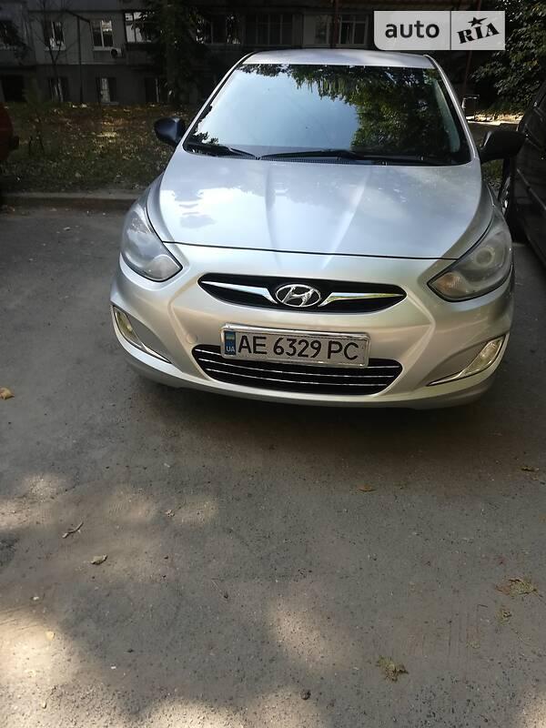 Седан Hyundai Accent 2011 в Днепре