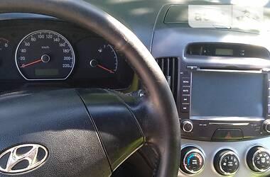 Седан Hyundai Elantra 2011 в Кицмани