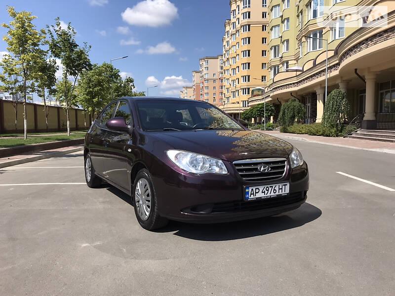 Седан Hyundai Elantra 2008 в Вишневом