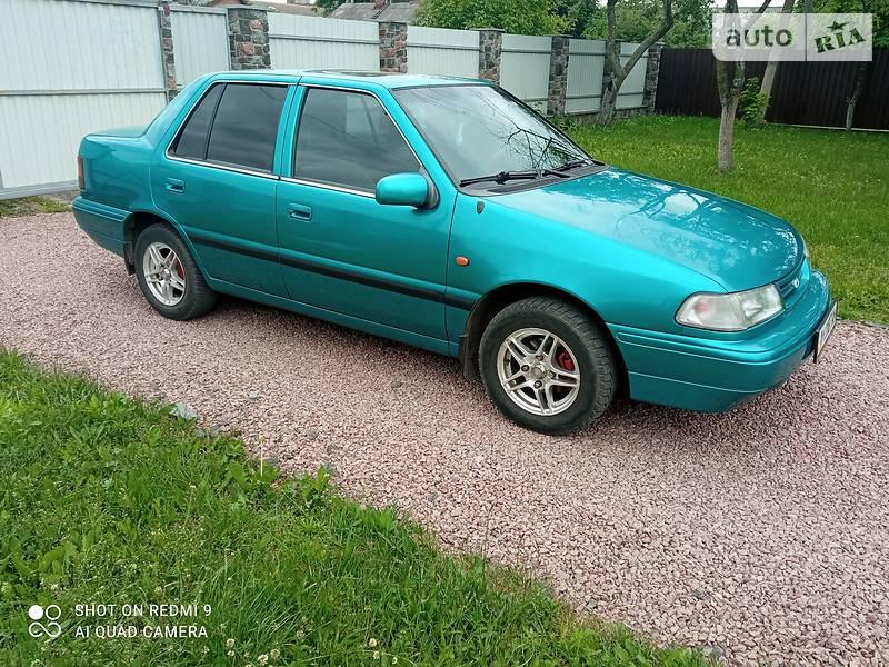 Седан Hyundai Pony 1994 в Житомире