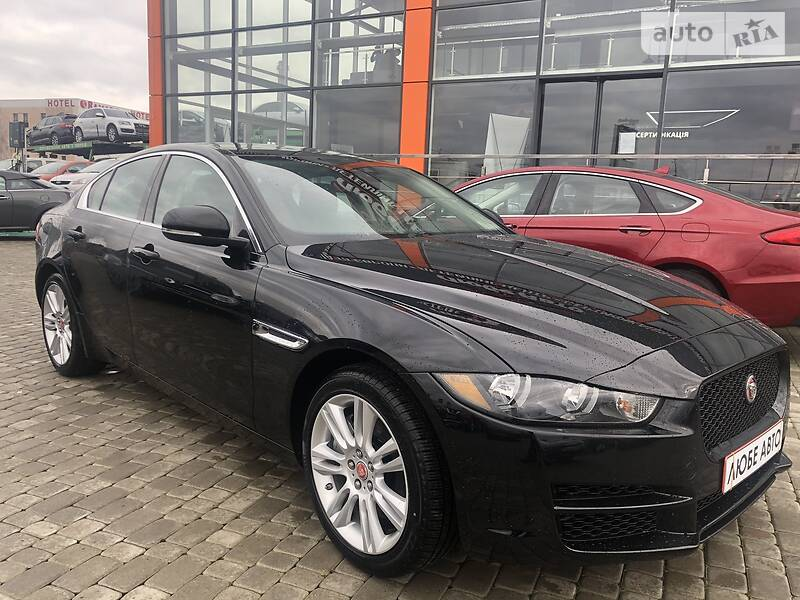 https://cdn3.riastatic.com/photosnew/auto/photo/jaguar_xe__368277013f.jpg