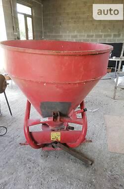 Разбрасыватель минеральных удобрений Jar-Met 500 2012 в Зборове
