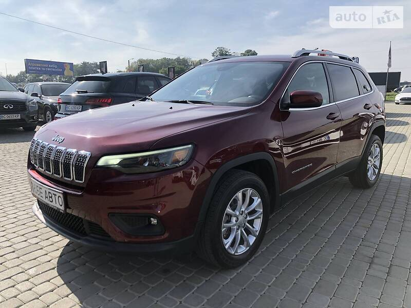 https://cdn3.riastatic.com/photosnew/auto/photo/jeep_cherokee__355385323f.jpg