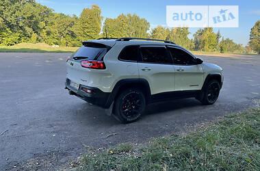 Внедорожник / Кроссовер Jeep Cherokee 2015 в Тростянце
