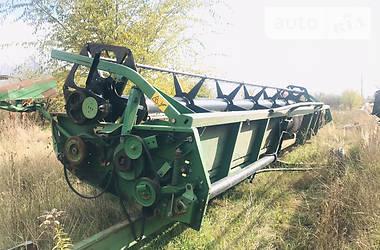 Зернова жатка John Deere 630R 2005 в Ровно