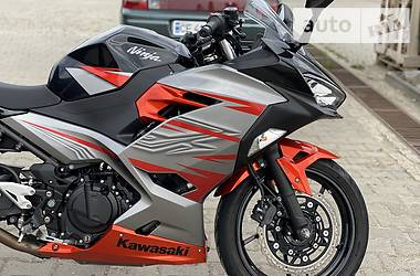 Спортбайк Kawasaki Ninja 2019 в Хотине