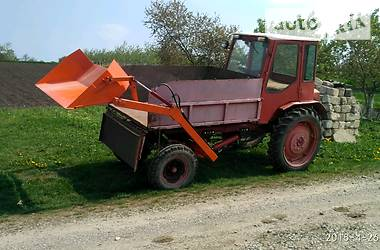 Трактор сельскохозяйственный ХТЗ Т-16МГ 1991 в Кельменцах