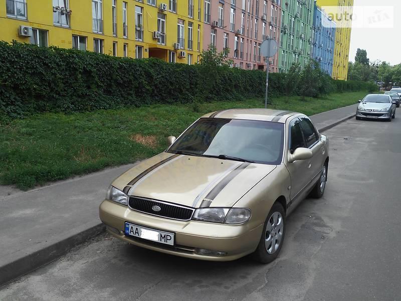 Kia Clarus 1998 року в Києві