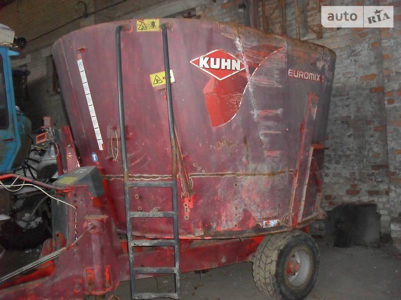 Кормовоз Kuhn Mixter 2001 в Ровно