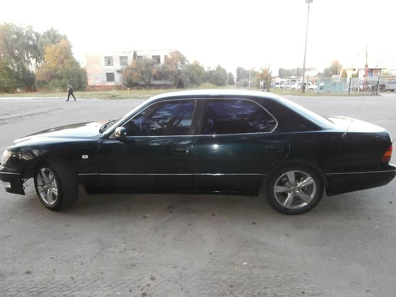 Lexus LS 1999 року в Чернігові