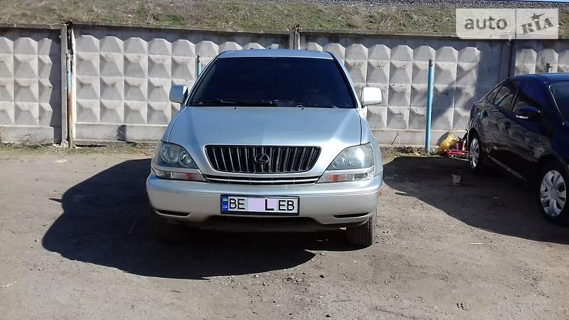 Lexus RX 1998 року в Миколаїві
