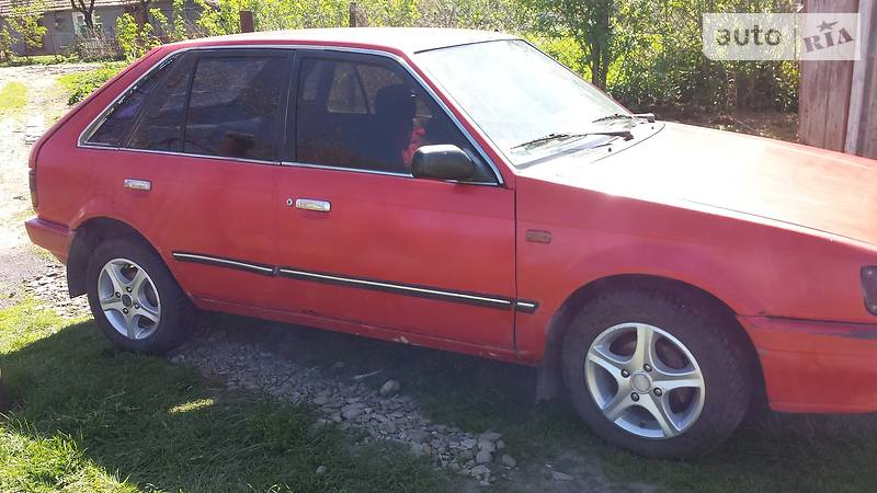 Mazda 323 1987 года